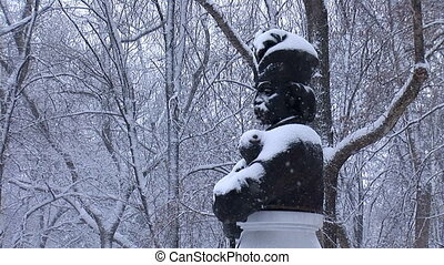 snow hetman 2 - Hetman bust in the snow