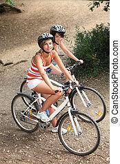 bicicletas, equitación, bosque, niñas, joven
