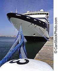Cruiseship in Palma