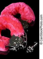 Amor, Cuffs