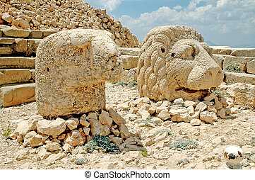 God heads on Nemrut, Turkey