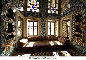 Turkey Sultan room details inside Topkapi Palace, Istanbul -...