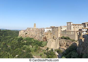 Pitigliano (Tuscany) at morning - Pitigliano (Grosseto,...