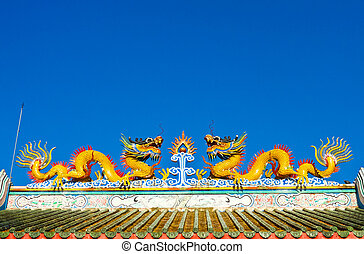 Twin dragon statues in Chinese