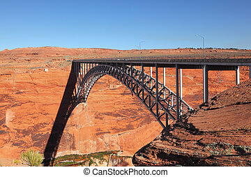 Beautiful bridge next to the Glen Canyon Dam - Beautiful...