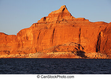 The cliffs on the shores of Lake Powell