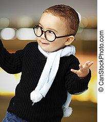 retrato, adorable, niño, Llevando, anteojos, El...