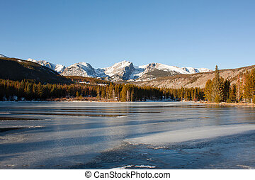 Sprague Lake in Rocky Mountains in Winter - Otis, Hallett...