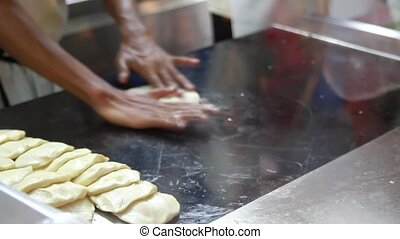 Making Roti Prata Singapore Food - Making Roti Prata a Local...