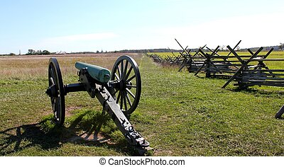 gettysburg cannon in field - gettysburg cannon facing an...