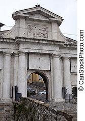 Porta San Giacomo, Bergamo alta - Porta San Giacomo, Bergamo...