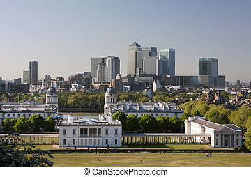 Panorama of London from the hills of Greenwich.