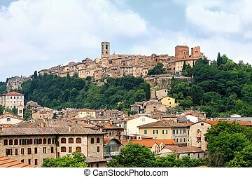 View of the historic Tuscan town of Colle di Val d'Elsa - A...