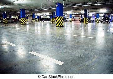 Traffic in parking garage - Parking garage of shopping...