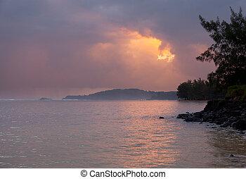 Sunrise in Kauai - Sunrise on Anini beach with Kilauea...