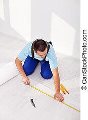 Laying laminate flooring at home