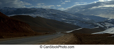 Road through Tien Shan mountains - Road through the Tien...