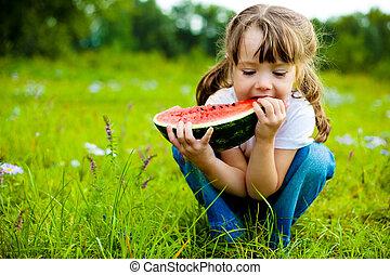 niña, comida, sandía