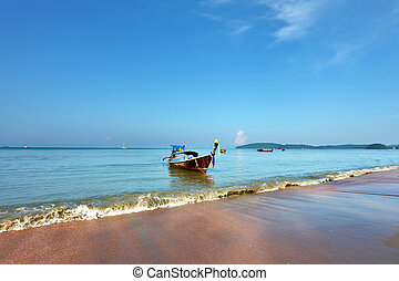 Easy Native Longtail boat dropped anchor - Fabulous beach in...