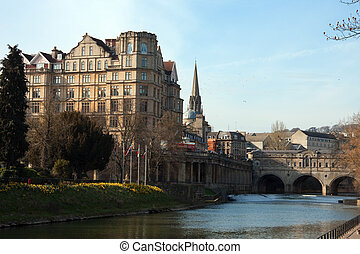 Pulteney bridge - View of the Pulteney Bridge River Avon in...