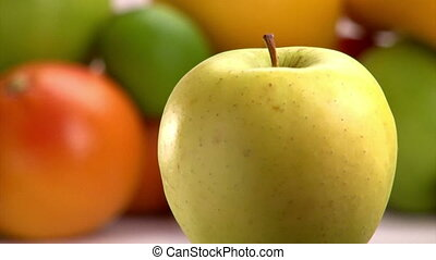 Green and red Apple, 2 clips