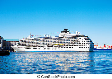 cruise liner in Cape Town - cruise liner anchored in Cape...