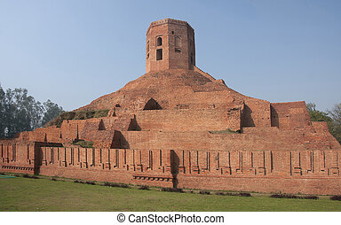 India Sarnath: Chaukhahdi Stupa in its red brick glory -...