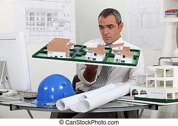 Contractor holding model