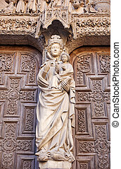 irgin Mary statue, Leon Cathedral - View of Virgin Mary...