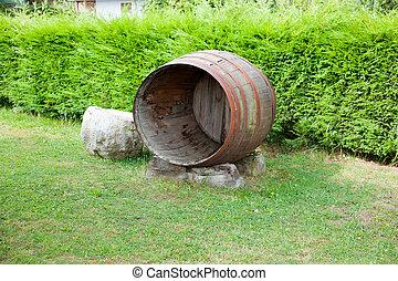 Barrel in the garden - Old open barrel in the garden
