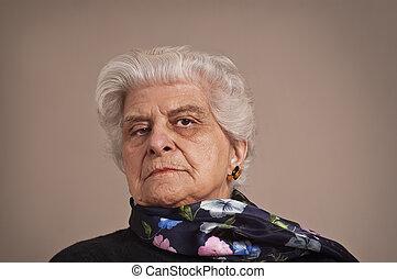 Portait of an elderly lady. - A portait of an elderly lady...