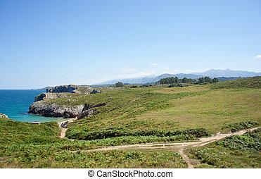 Nueva de Llanes sea - Sea and mountain Nueva de Llanes....