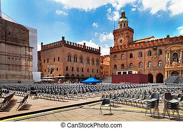 Piazza Maggiore, Bologna, Italy - Preparation for a concert...