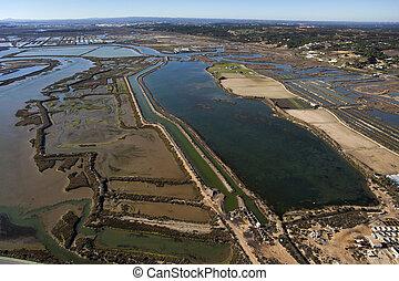aéreo, vista, peixe, fazendas, sal, pântanos