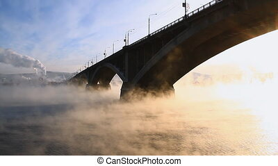Bridge, mist 009