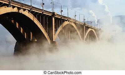 Bridge, mist 008