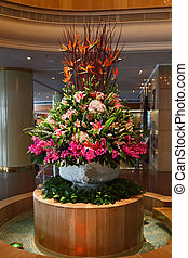 Huge flower bed - vase - Huge magnificent flower bed - a...