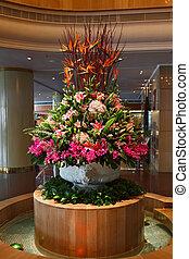 Huge flower bed - vase - Huge magnificent flower bed - a...