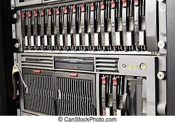 Rackmount equipment - Rack mounted blade servers and system...