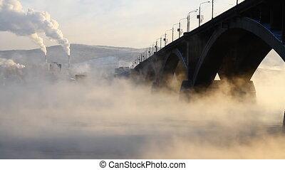 Bridge, mist 011