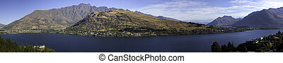 Lake Wakatipu - Panorama of Lake Wakatipu and the...