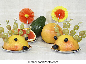 Ridiculous hedgehogs from fruit