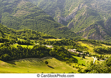 Village in Umbria and mountains - Village in Umbria (Italy)...