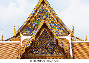 Thai temple gate Art has a unique design that is national...