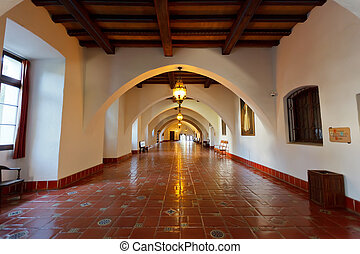 Santa Barbara court - Interior of Santa Barbara court
