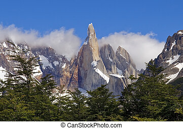 top of Fitz Roy - very nice view to the top of Fitz Roy,...