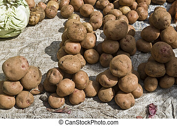 Stacked towers of potatos