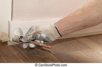 Painting a ledge - Painting a wooden ledge with white