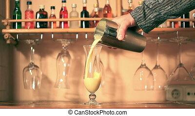 Pina Colada - Preparation Pina Colada cocktail