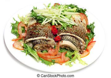 pescado blanco, ensalada